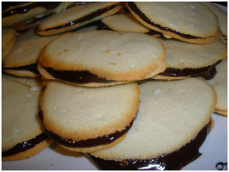 Daring Baker&#8217;s Challenge: Milan Cookies.