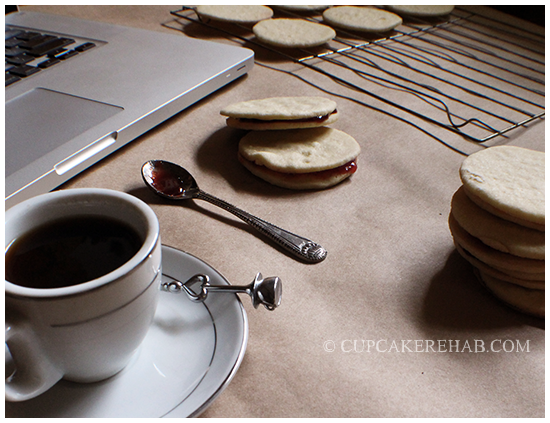 Easy jammy 'sammy' cookies! Kind of a vanilla shortbread/sugar cookie hybrid, filled with jams.