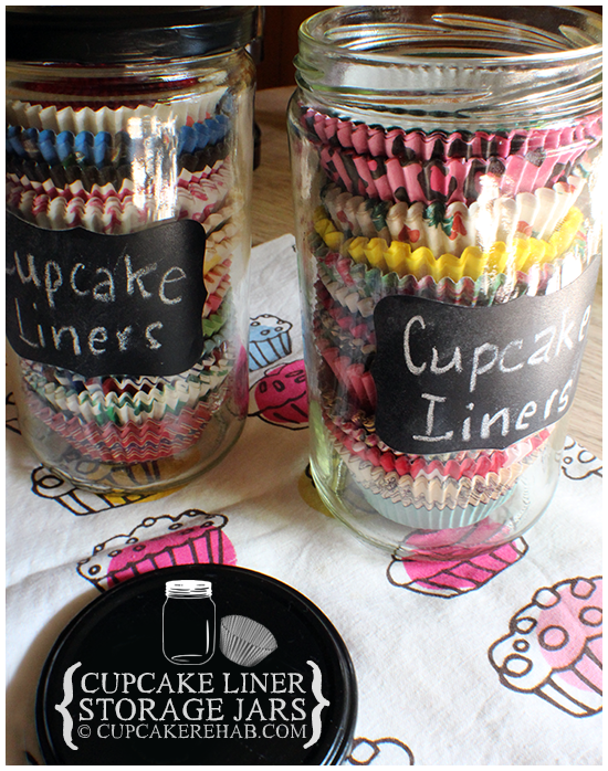 DIY cupcake liner storage that's display worthy! Made using mason jars & chalkboard paint.