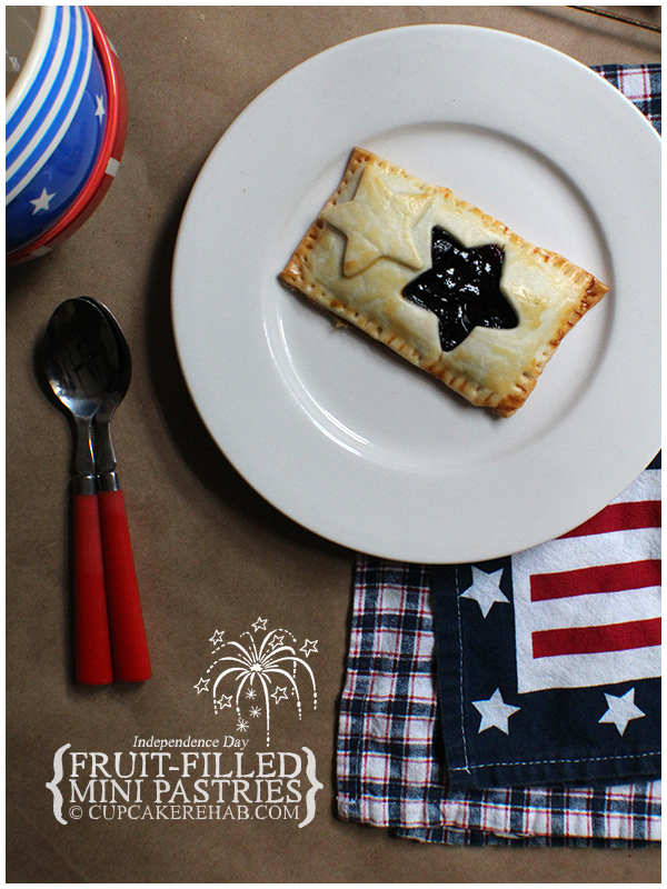 Easy little fruit-filled pastries for the 4th of July! #4thofjuly #independenceday