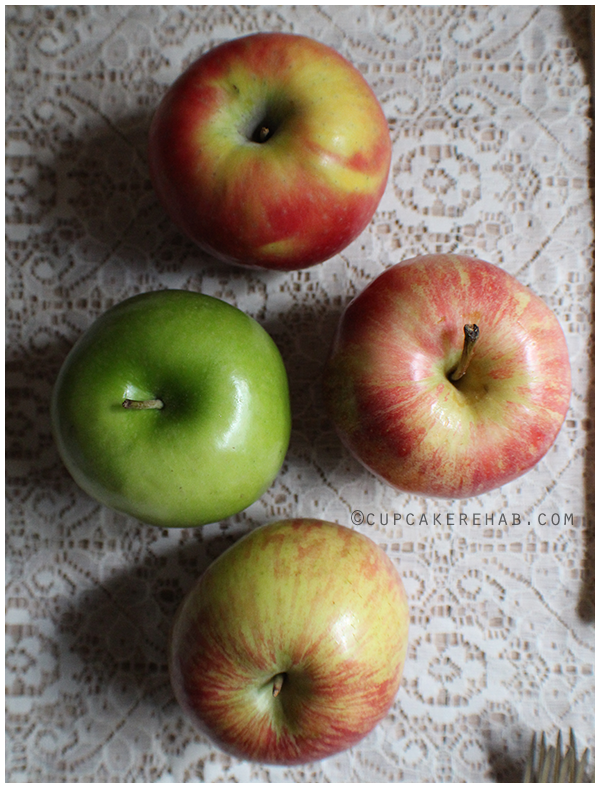 Apples: Gala, Fuji, Jonathan & Granny Smith. Put 'em in a cake!