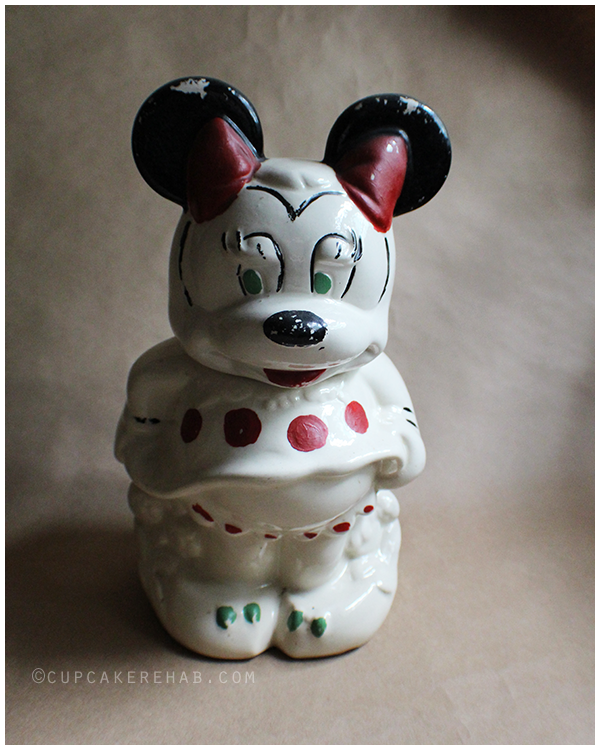 The Minnie side of the 1930s cookie jar.