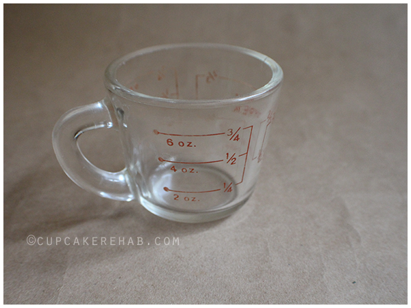 Vintage Pyrex measuring cup, discontinued by 1950.