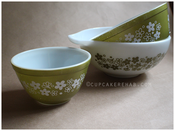 Set of a few different 1970's Pyrex Spring Blossom bowls. #vintagepyrex