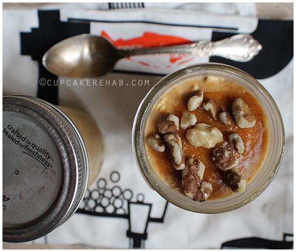 Quick & easy overnight oats made with maple pumpkin butter!