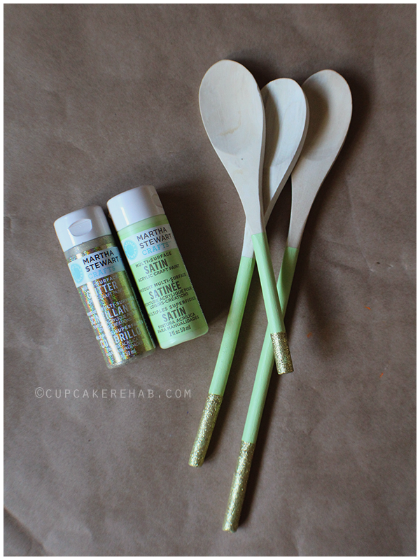 DIY painted-handle wooden spoons!