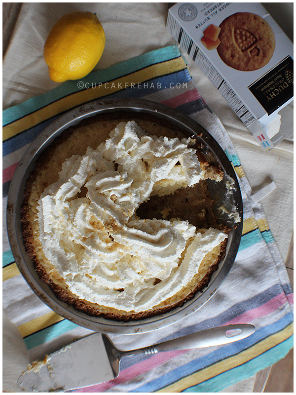 A delicious & easy lemon pie with a ginger cookie crust. Click through for a giveaway- four boxes of shortbread cookies from Duchy Originals!