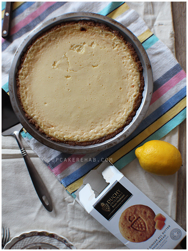A lemon pie & ginger shortbread cookie crust made with Duchy Originals stem ginger shortbread cookies (plus a giveaway!)