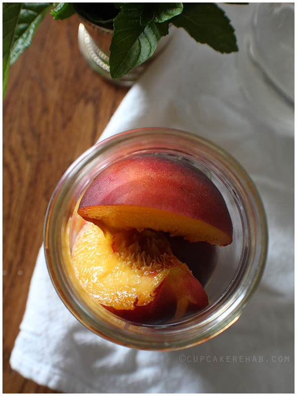 Mint julep peaches: canned peaches in a light syrup with bourbon and mint. #sweetpreservation