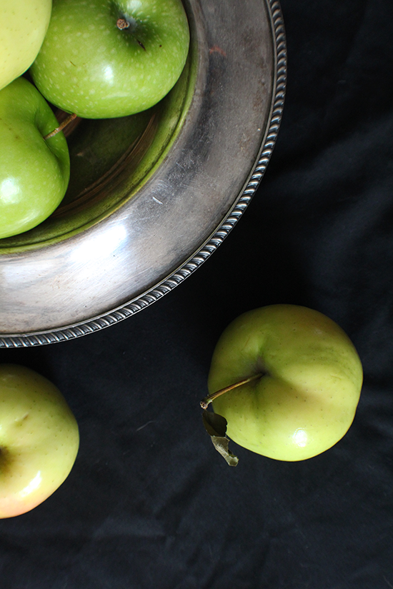Granny Smith & Ginger Gold apples for a fall apple pie (with maple, brown butter and BOURBON)