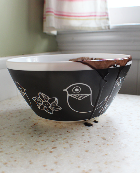 Vintage Charm Inspired by Pyrex bowl.