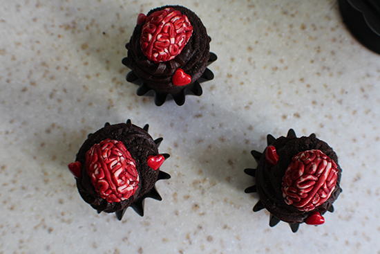Walking Dead Valentine's Day cupcakes with brains!